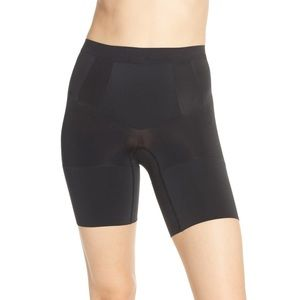SPANX ONCORE MID THIGH SHAPER ♥️IN STORES♥️
